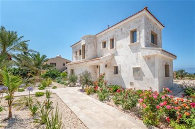 14087-detached-villa-for-sale-in-peyiafull