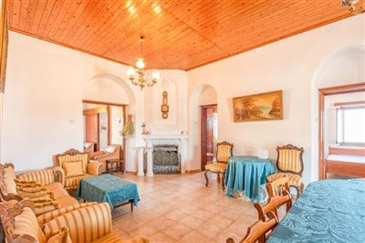 14169-apartment-for-sale-in-polisfull