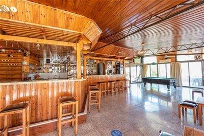 14200-restaurant-for-sale-in-polisfull