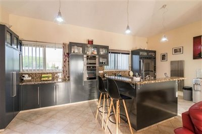 14507-bungalow-for-sale-in-kathikasfull