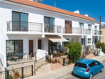 14582-town-house-for-sale-in-polisfull