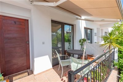 14579-town-house-for-sale-in-polisfull