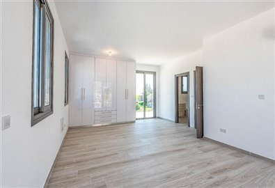 14665-bungalow-for-sale-in-polisfull