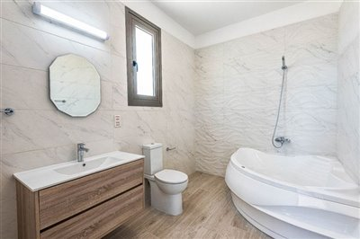 14662-bungalow-for-sale-in-polisfull