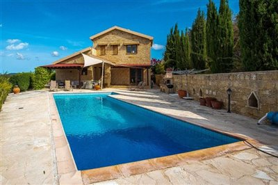 15032-detached-villa-for-sale-in-gioloufull