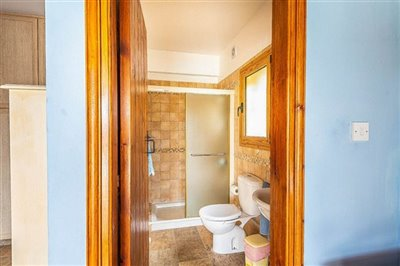15050-detached-villa-for-sale-in-gioloufull
