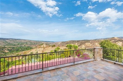 15018-detached-villa-for-sale-in-gioloufull