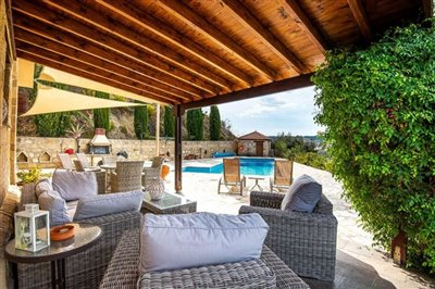 15044-detached-villa-for-sale-in-gioloufull