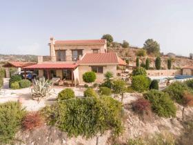 Image No.0-Villa de 3 chambres à vendre à Giolou