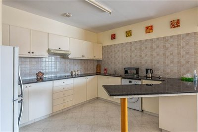 15093-apartment-for-sale-in-neo-choriofull