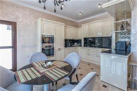 Image No.5-Villa de 5 chambres à vendre à Argaka