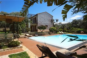 Image No.0-Villa de 8 chambres à vendre à Corfou