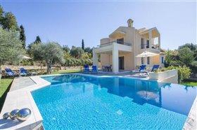 Image No.0-Villa de 4 chambres à vendre à Corfou