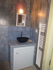 7-blue-house-sink-s