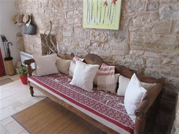4-red-house-living-room-sofa-s