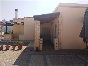 house-in-chania-crete-for-sale-front-covered-