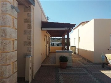 house-in-chania-crete-for-sale-with-spacious-