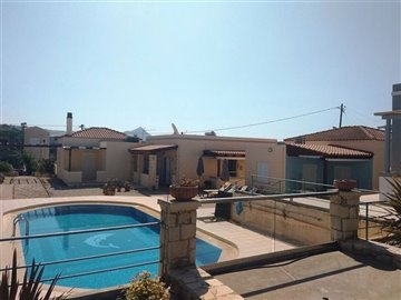 house-in-chania-crete-for-sale-swimming-pool