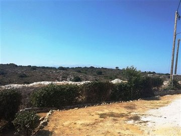 house-in-chania-crete-for-sale-back-yard