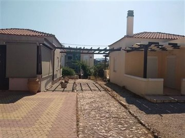 house-in-chania-crete-for-sale-pathway
