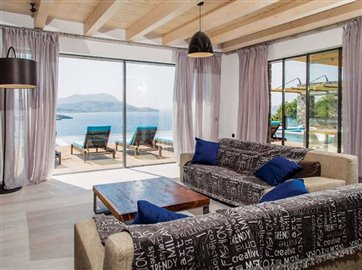 10-living-area-with-stunning-sea-view