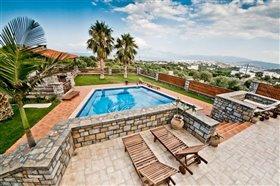 Image No.2-Villa de 4 chambres à vendre à Agios Nikolaos
