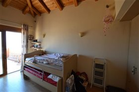 Image No.19-3 Bed House for sale