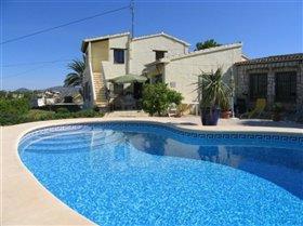 Image No.0-Villa de 7 chambres à vendre à Moraira