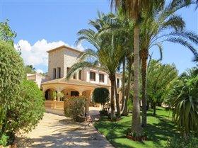 Image No.0-Villa de 8 chambres à vendre à Moraira