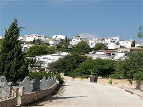 Monte Pego, Plot
