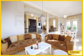 Image No.3-Villa / Détaché de 3 chambres à vendre à Kargicak