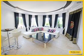 Image No.1-Villa / Détaché de 3 chambres à vendre à Mahmutlar