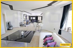 Image No.2-Villa / Détaché de 3 chambres à vendre à Mahmutlar
