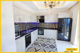 Image No.5-Appartement de 4 chambres à vendre à Mahmutlar