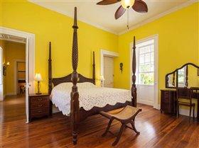 Image No.10-Propriété de 8 chambres à vendre à St John