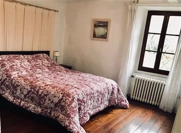 2770-molazzana-bedroom-1