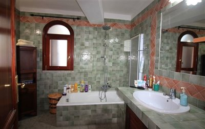 4610-budoni-bathroom-3