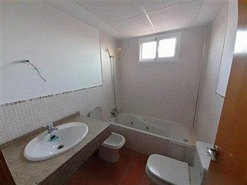 property8067fullimage4