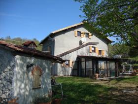 Pareto, Country House