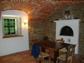 Image No.11-3 Bed Farmhouse for sale