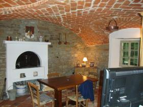 Image No.12-3 Bed Farmhouse for sale