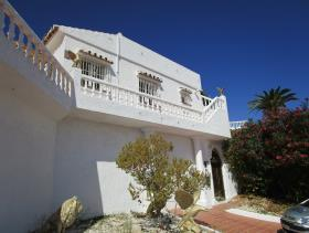Image No.15-3 Bed Villa for sale