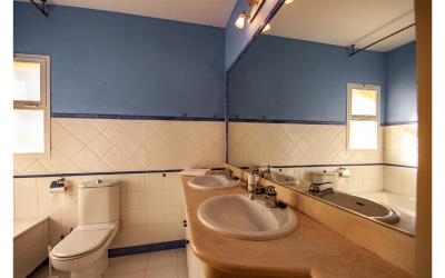 16--Bathroom-1