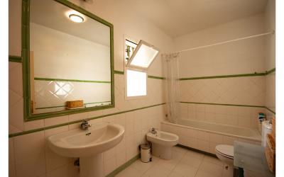 18--Bathroom-2