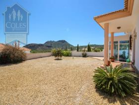 Image No.14-2 Bed Villa / Detached for sale