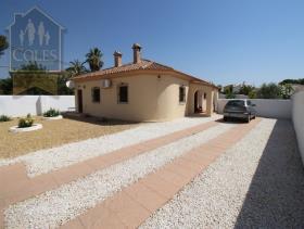 Image No.22-4 Bed Villa / Detached for sale