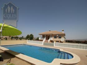 Purias, Villa / Detached