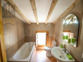 Image No.7-6 Bed Cortijo for sale
