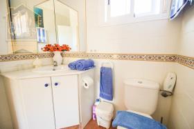 Image No.20-7 Bed Villa / Detached for sale