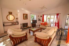 Image No.2-3 Bed Villa / Detached for sale